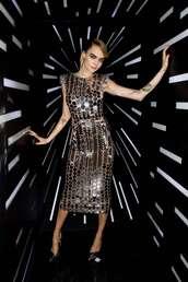 dress,cara delevingne,midi dress,metallic,silver,silver dress,model off-duty