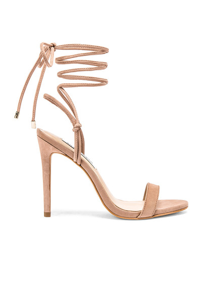 Steve Madden Level Sandal in taupe
