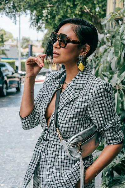 stuffshelikes blogger jewels bag shoes sunglasses blazer metallic bag suit