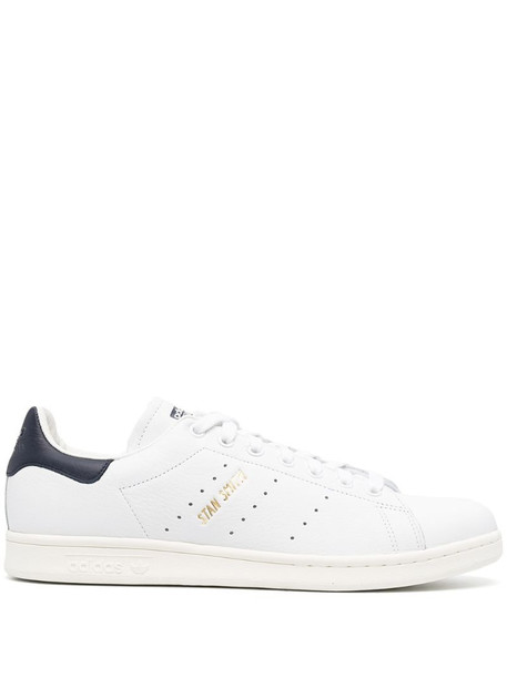 adidas Stan Smith low-top sneakers in white