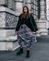 skirt,midi skirt,snake print,grey skirt,pleated skirt,black boots,ankle boots,lace up boots,platform shoes,black jacket,black shearling jacket,black sweater
