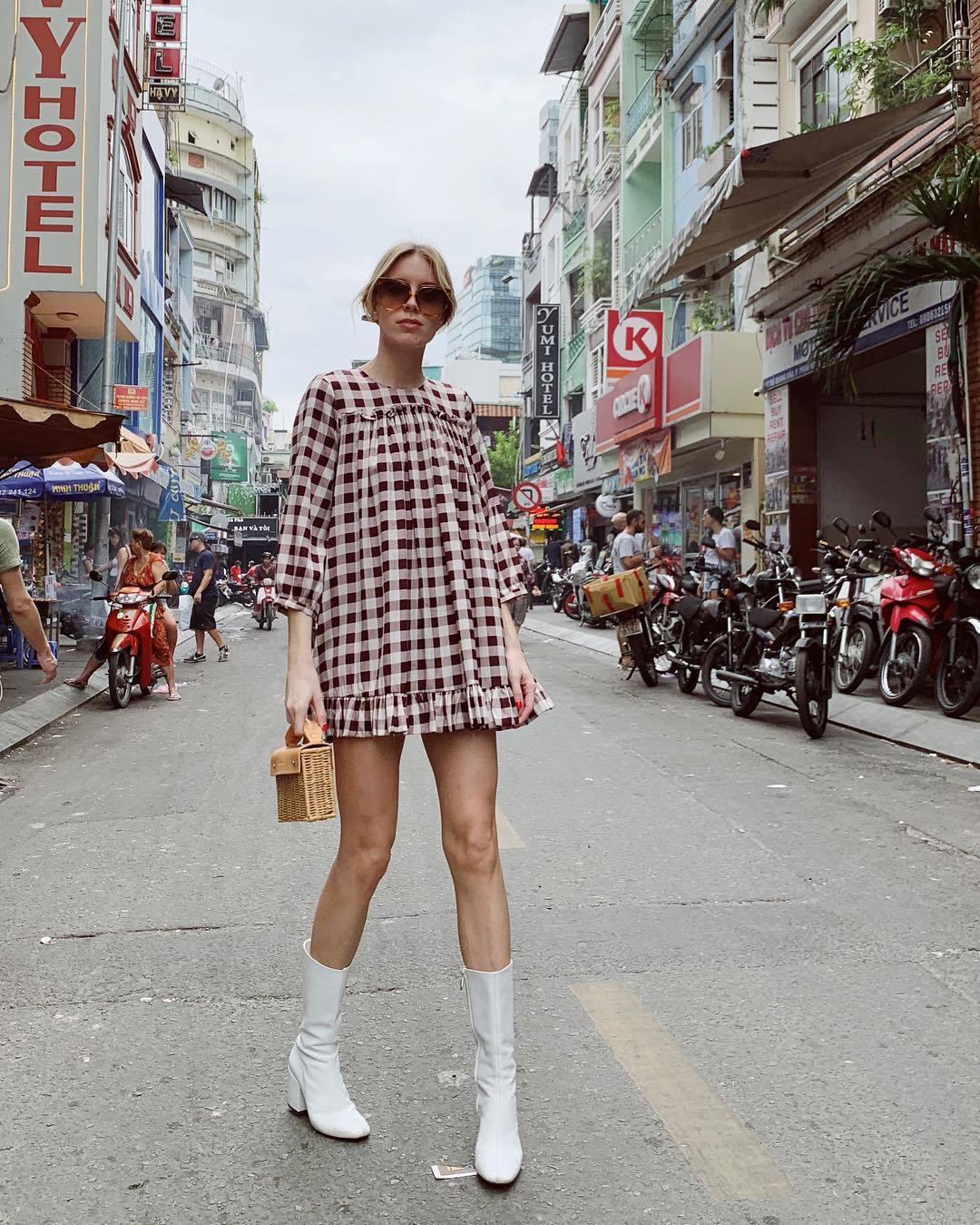 bag mini bag white boots heel boots plaid dress mini dress