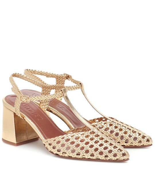 Souliers Martinez Sevilla metallic leather pumps in gold