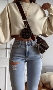 shirt,whole outfit,everything,beige nike crew neck cropped,medium wash jeans