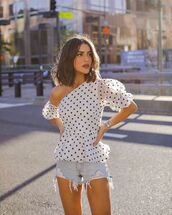 top,white top,one shoulder,polka dots,denim shorts