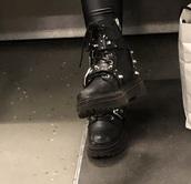 shoes,black,black shoes,winter boots,boots,biker boots,leather,platform shoes