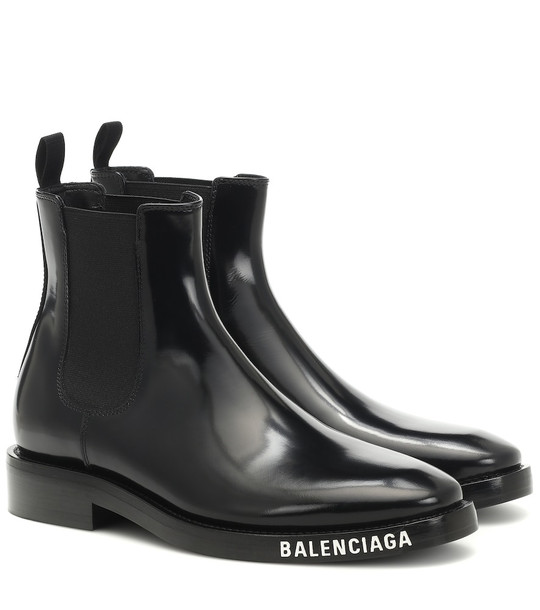 Balenciaga Leather ankle boots in black