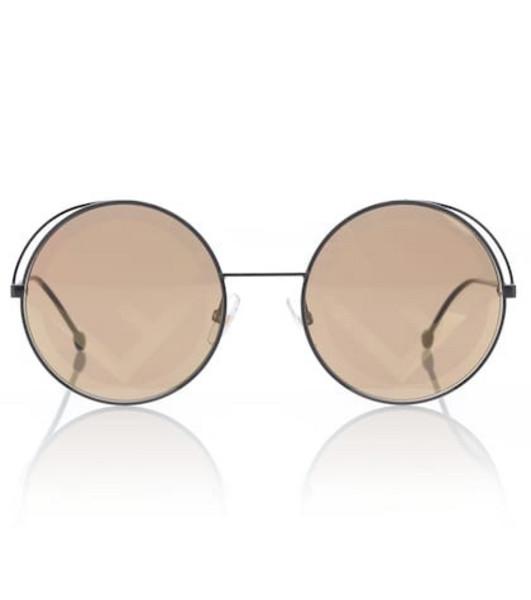 Fendi Run Away sunglasses in black