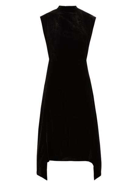 Cefinn - Allegra Mock Neck Velvet Midi Dress - Womens - Black