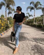 jeans,high waisted jeans,mom jeans,topshop,loafers,black t-shirt,black bag