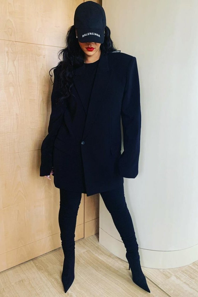 hat cap all black everything blazer black blazer rihanna instagram celebrity boots
