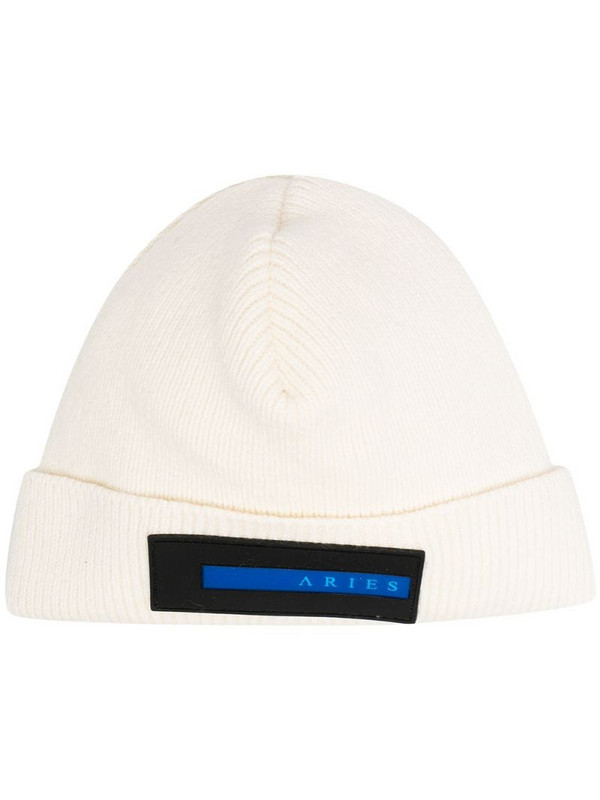 Aries logo-patch beanie hat in white