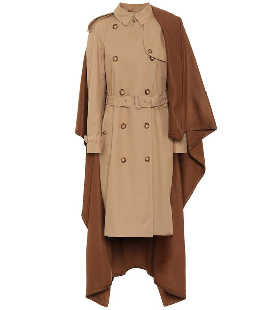 Burberry Cotton and cashmere coat in beige