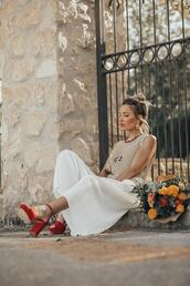 mi aventura con la moda,blogger,top,pants,shoes,red heels,high heel sandals,pleated skirt,summer outfits,white skirt