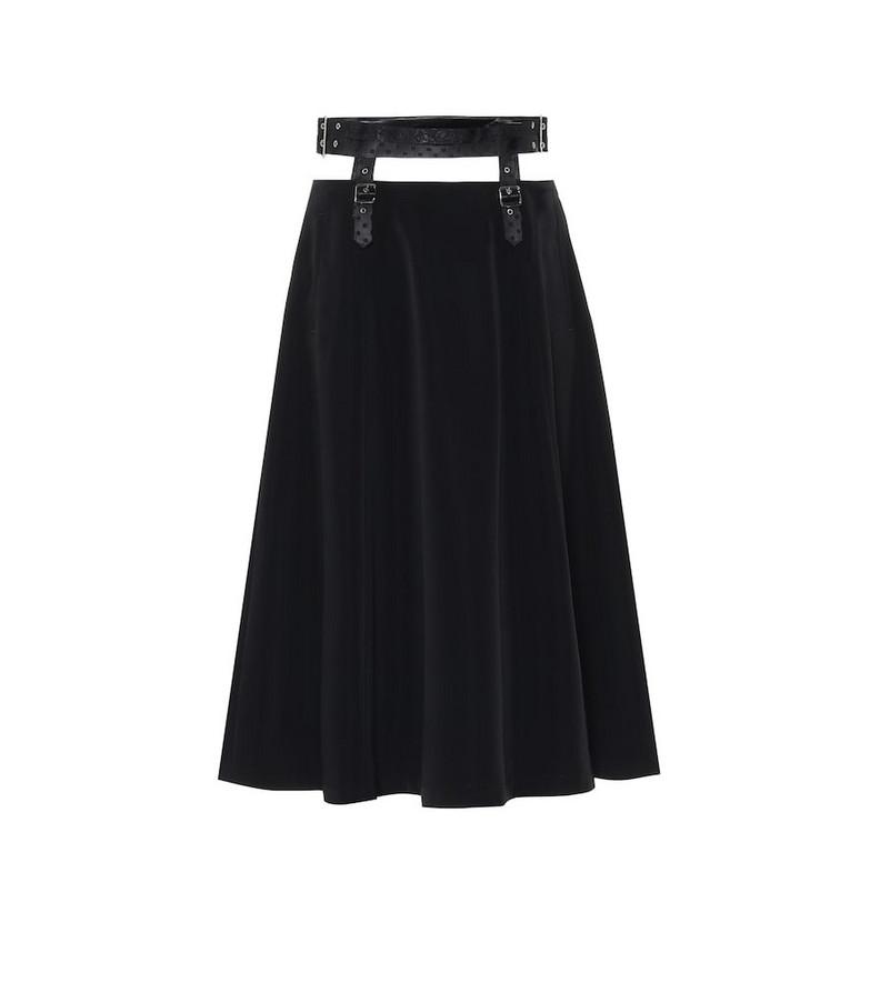Noir Kei Ninomiya Satin midi skirt in black