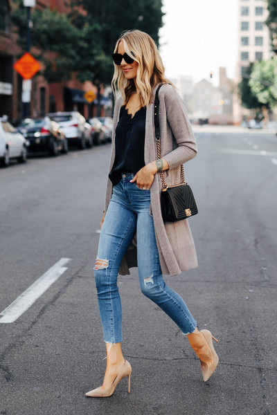 fashionjackson blogger cardigan tank top jeans shoes sunglasses bag high heel pumps chanel bag spring outfits cami top