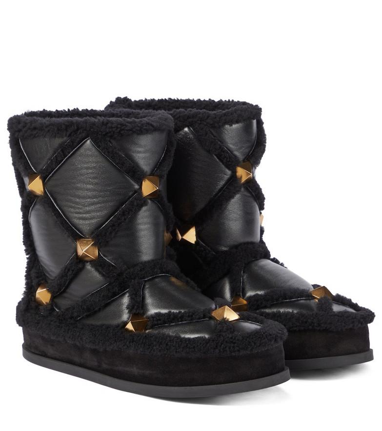 Valentino Garavani Roman Stud shearling-lined snow boots in black