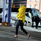sweater,yellow sweater,oversized sweater,tory burch,turtleneck sweater,knitted scarf,slingbacks,jeans,black bag