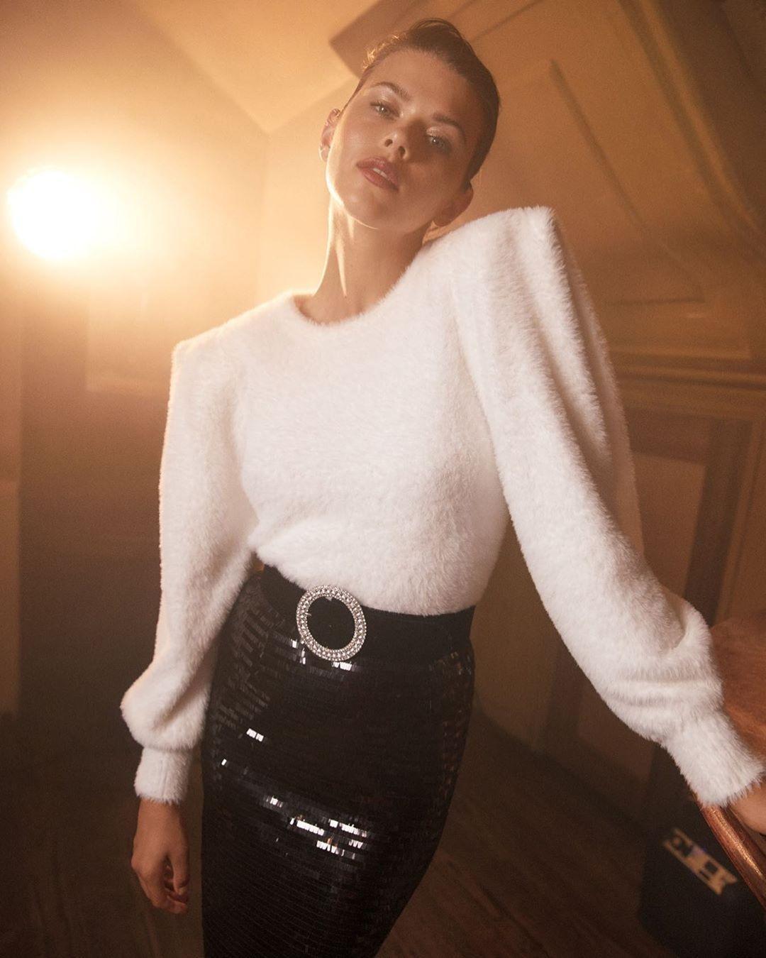 sweater belt skirt