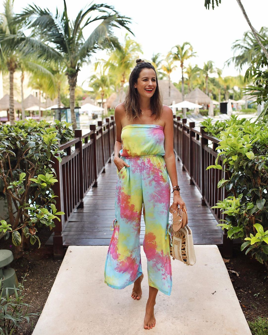 jumpsuit multicolor sleeveless slit handbag summer outfits