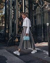 skirt,midi skirt,pleated,houndstooth,white sneakers,blue bag,handbag,white shirt,cropped