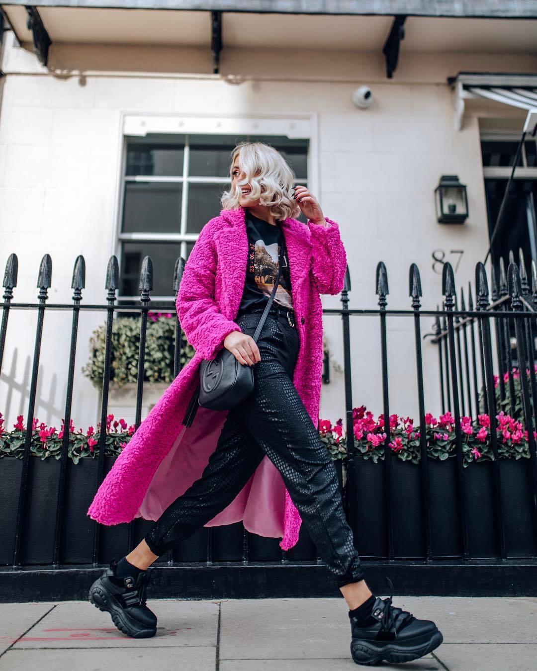 coat pink coat faux fur coat black sneakers platform shoes high waisted pants black pants gucci bag black bag black t-shirt