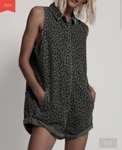 romper,jumpsuit,leo,leopard print,zip,shorts,casual,pockets,collar,sleeveless