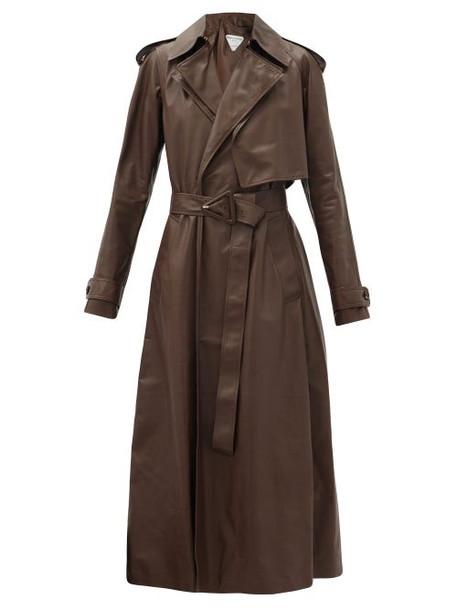 Bottega Veneta - Belted Leather Trench Coat - Womens - Dark Brown