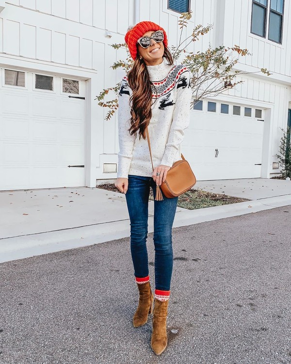 sweater ankle boots skinny jeans brown bag beanie