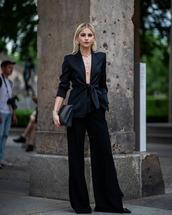 pants,wide-leg pants,black pants,high waisted pants,black blazer,black bag,pumps