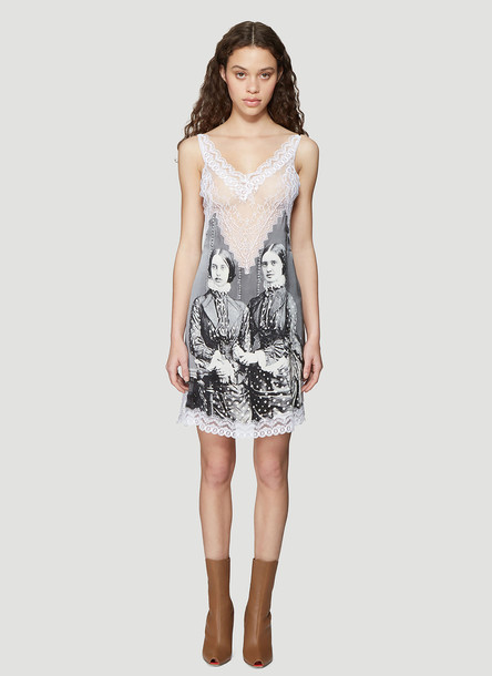 Burberry Lace Detail Victorian Portrait Print Silk Slip Dress in Grey size UK - 10