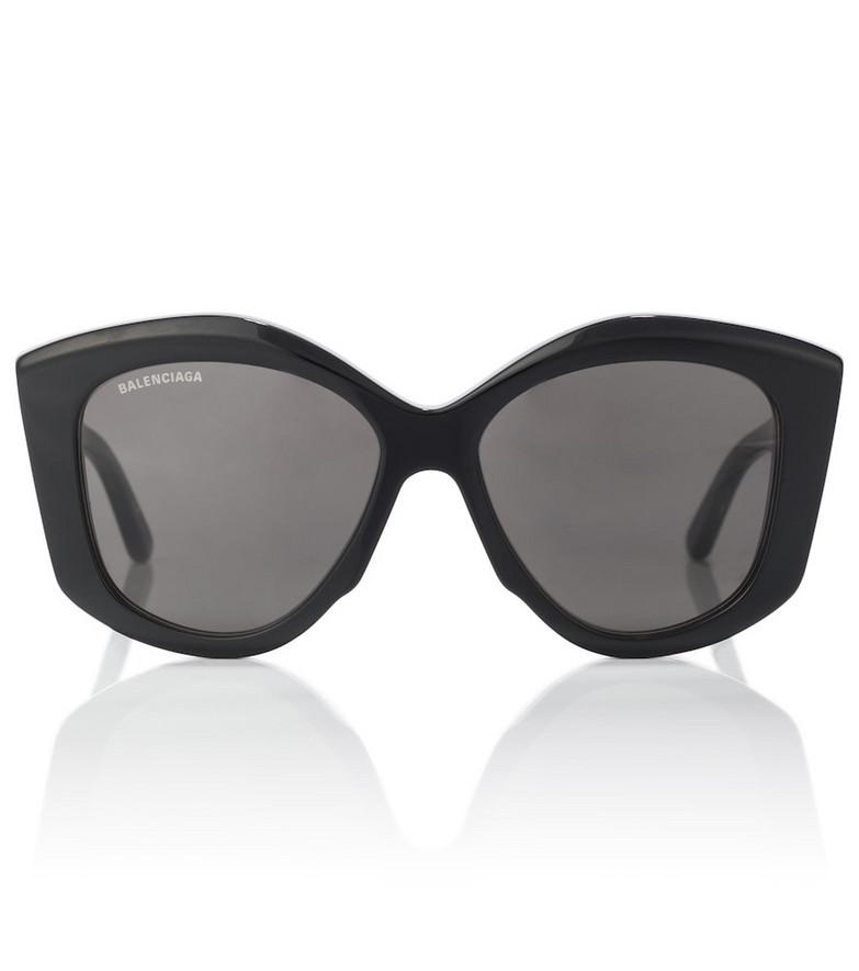 Balenciaga Oversized sunglasses in black
