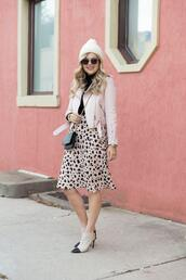 suburban faux-pas,blogger,hat,jacket,skirt,shoes,sunglasses,midi skirt,beanie,leather jacket,winter outfits,booties
