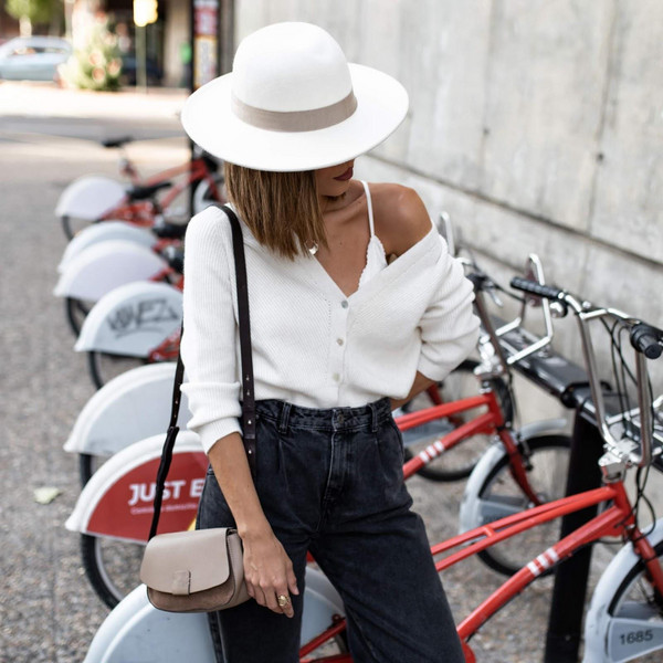 ms treinta blogger cardigan jeans bag hat white hat white cardigan