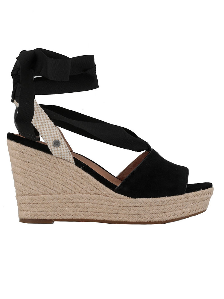 UGG Shiloh Sandal in black