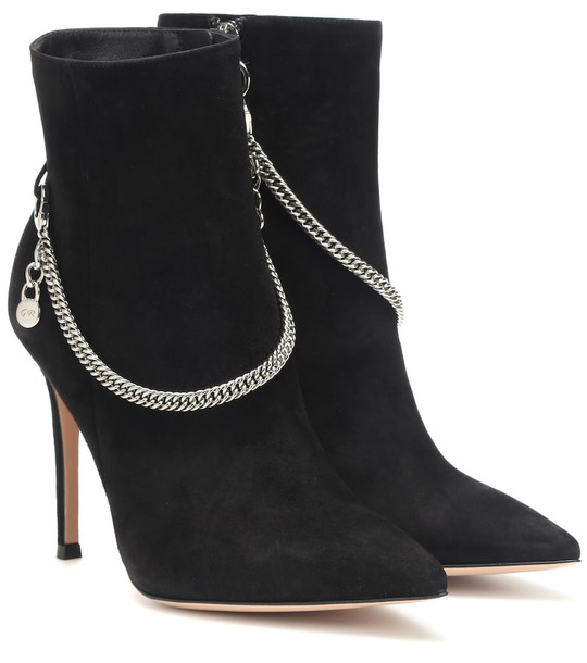 Gianvito Rossi Annie 115 suede ankle boots in black