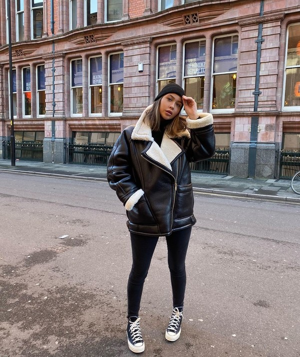 jacket shearling jacket sneakers black skinny jeans black sweater turtleneck sweater black beanie