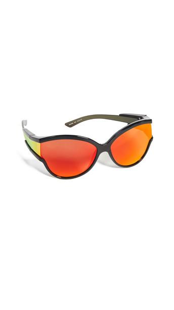 Balenciaga Unlimited Soft Mask Sunglasses in black / orange