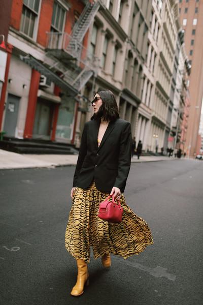 dylana suarez blogger skirt jacket bag shoes
