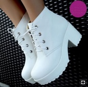 shoes,white high heeled boots