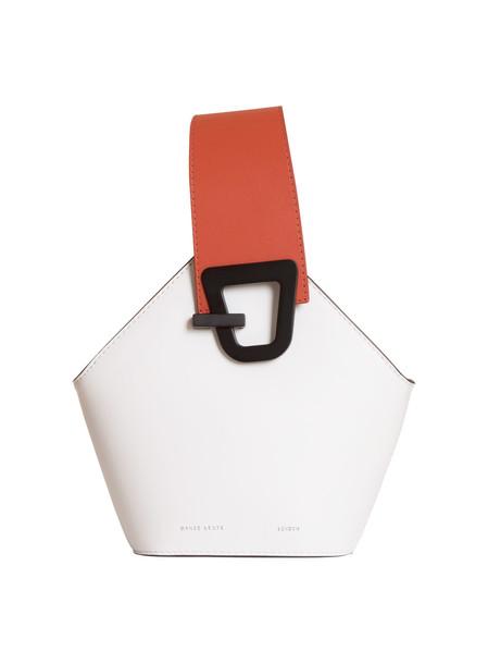 Danse Lente Mini Johnny Bucket Bag in bianco