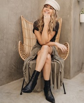 shoes,the bachelor,boots,booties,leather,black