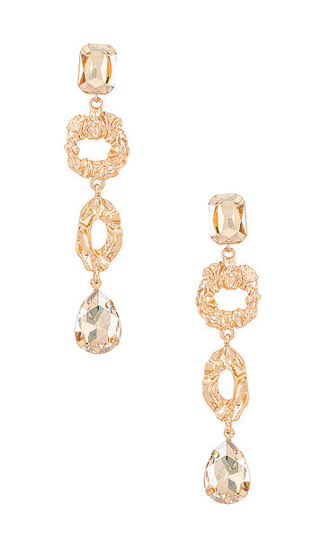 Amber Sceats Embellished Mis-Matched Drop Earring in Metallic Gold