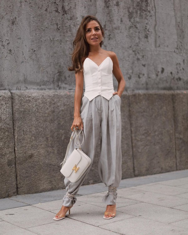 top corset top sleeveless top sandal heels white bag high waisted pants