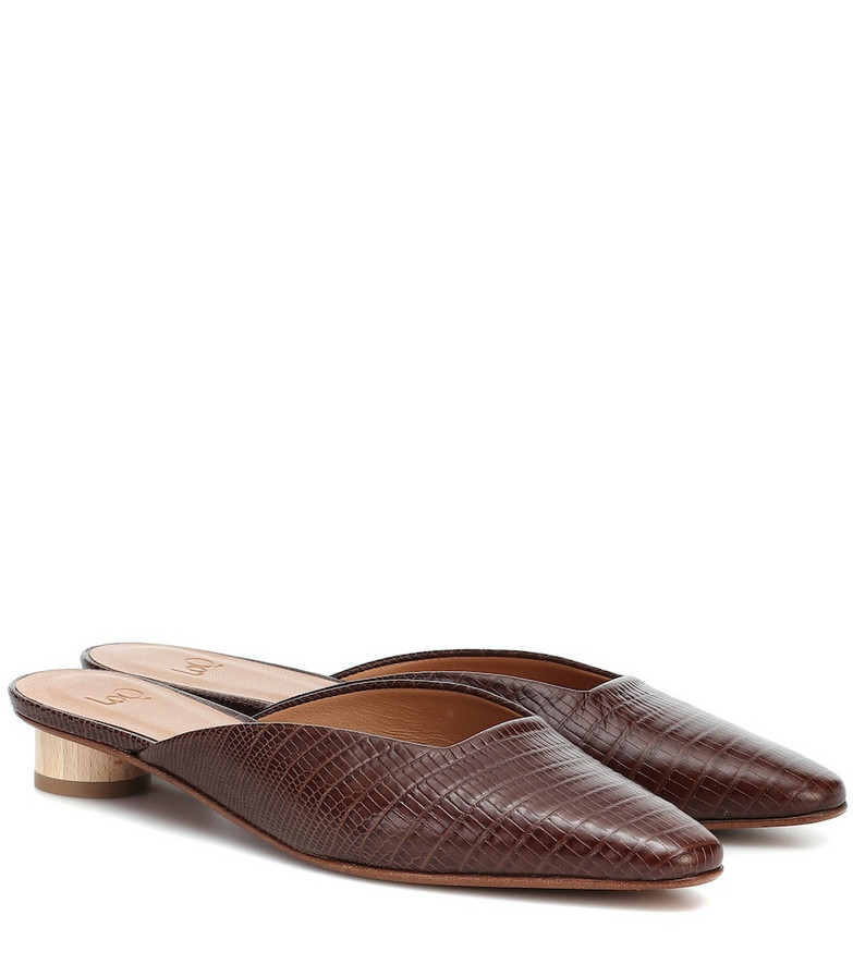 LOQ Carmen leather mules in brown