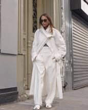 coat,white coat,long coat,white shoes,white pants,high waisted pants,straight pants,grey top
