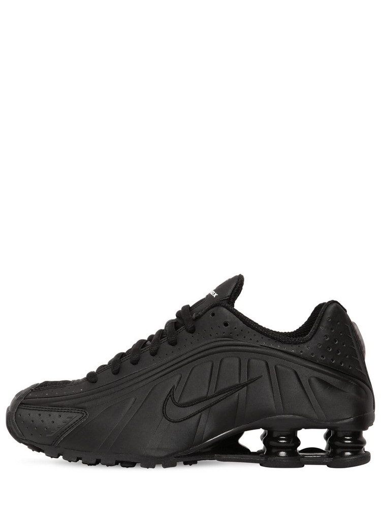 NIKE Shox R4 Sneakers in black