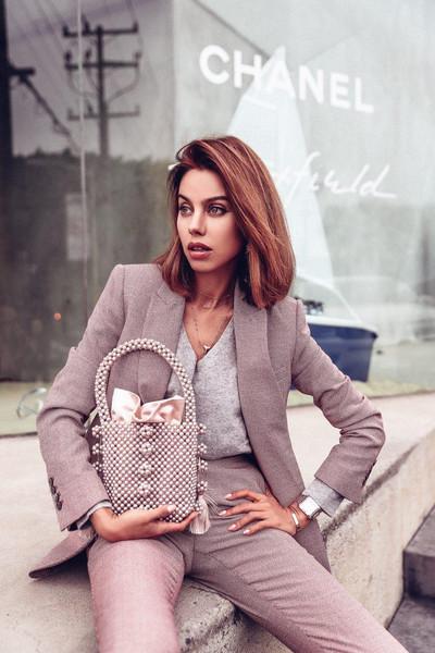 viva luxury blogger pants blazer suit jacket bag pearl bag spring outfits