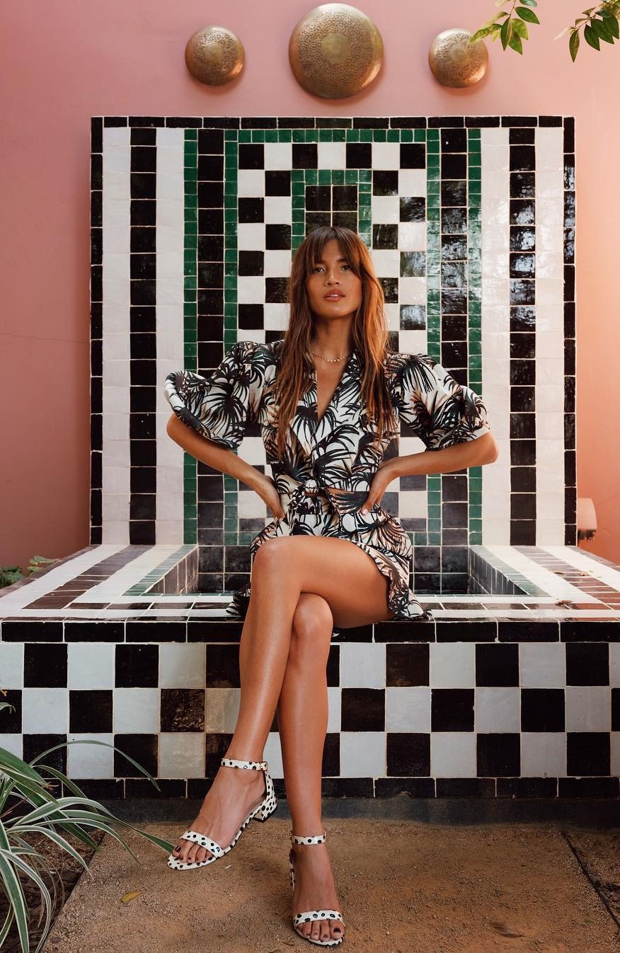top black and white rocky barnes instagram blogger blogger style sandals summer outfits shorts