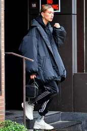 jacket,padded jacket,hailey baldwin,model off-duty,casual,sweatpants